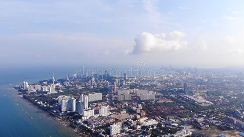 Strand und Meer in Pattaya Chonburi, Thailand, Draufsicht Schöne Landschaft von Strand Pattayas Chonburi, Thailand stockfotos
