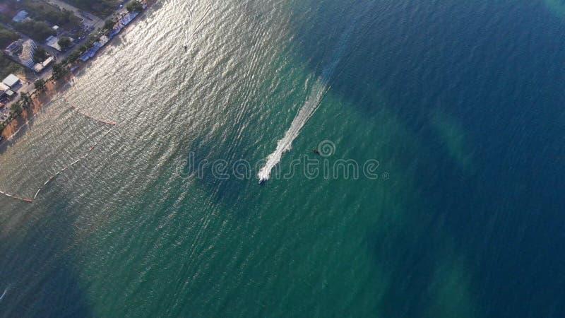 Strand und Meer in Pattaya Chonburi, Thailand, Draufsicht Schöne Landschaft von Strand Pattayas Chonburi, Thailand antreiben stockbild