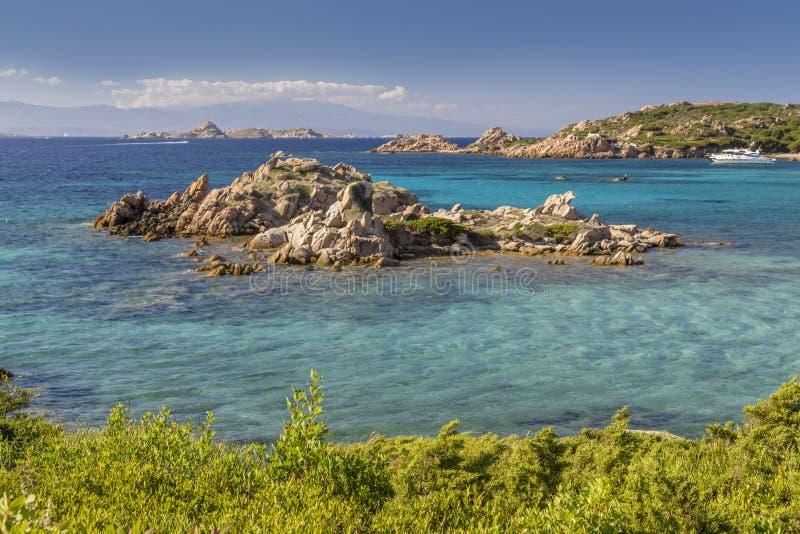 Strand van Cala Trinitàin het eiland van Maddalena, Sardinige, Italië royalty-vrije stock afbeeldingen
