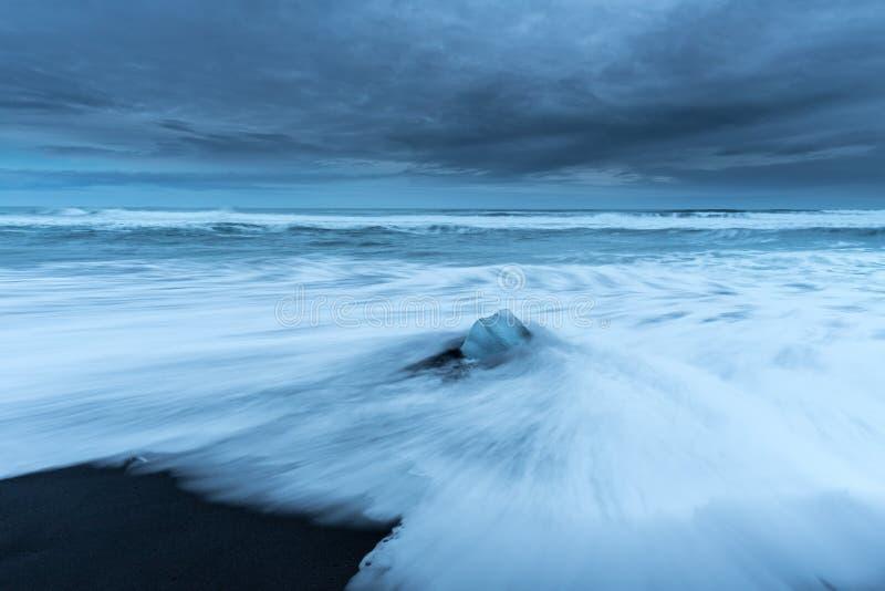 Strand van diamanten in IJsland royalty-vrije stock afbeeldingen