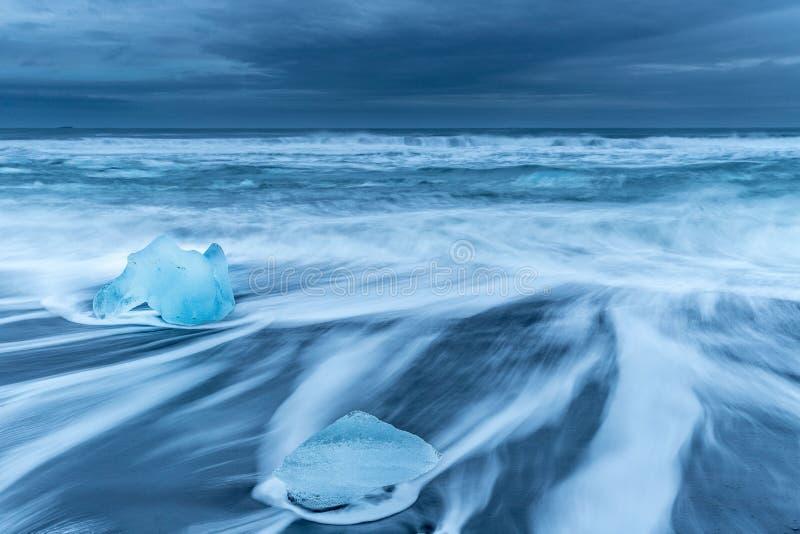 Strand van diamanten in IJsland stock foto