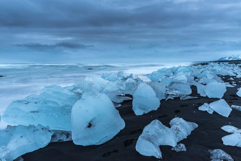 Strand van diamanten in IJsland stock foto's