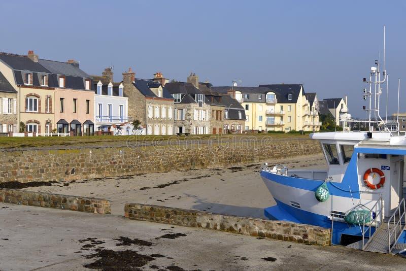 Strand van heilige-Vaast-La-Hougue in Frankrijk royalty-vrije stock foto's