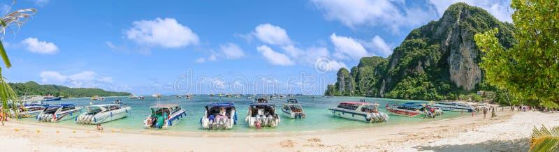 Strand van Ko Phi Phi Don - Krabi, Thailand royalty-vrije stock foto