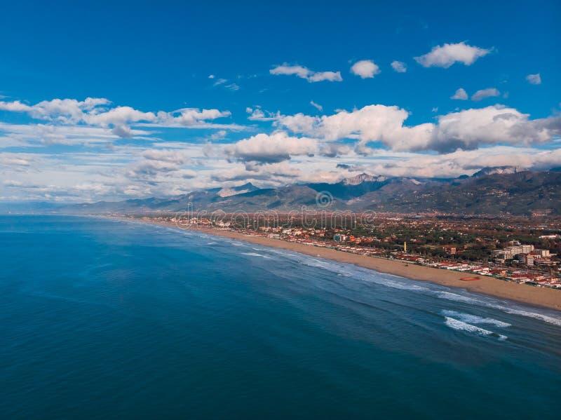 Strand van Viareggio-ochtend, Italië Toscanië Versilia royalty-vrije stock foto