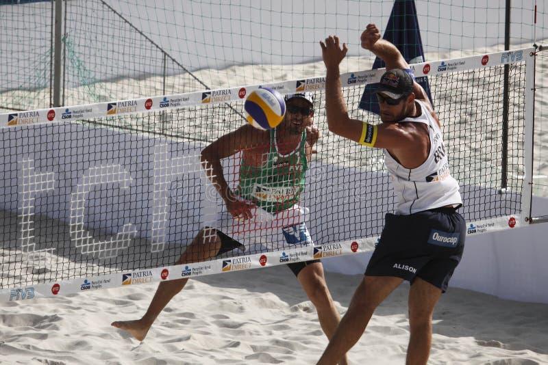 Strand Volleyball-Florian Gosch und Alison Cerutti stockbilder