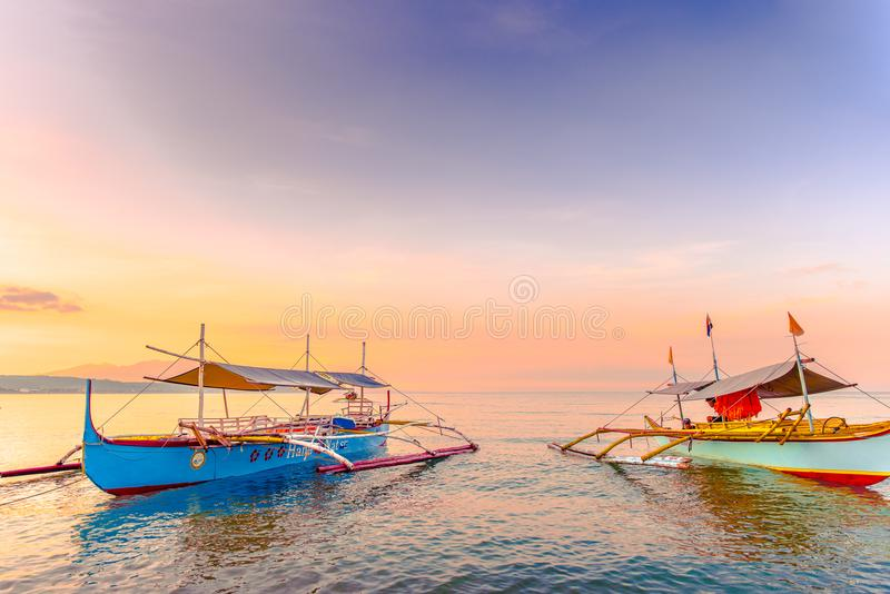 Strand von Morong, Bataan, Philippinen am frühen Morgen stockbilder