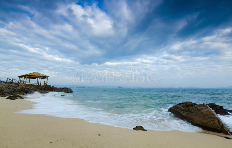 Strand von wuzhizhou Insel in Sanya Hainan lizenzfreie stockfotos