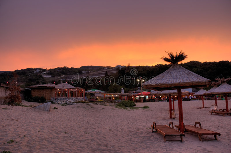 Strand während des Sonnenuntergangs lizenzfreies stockfoto