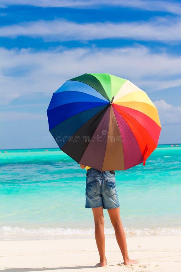 strandbarnett slags solskydd arkivbilder