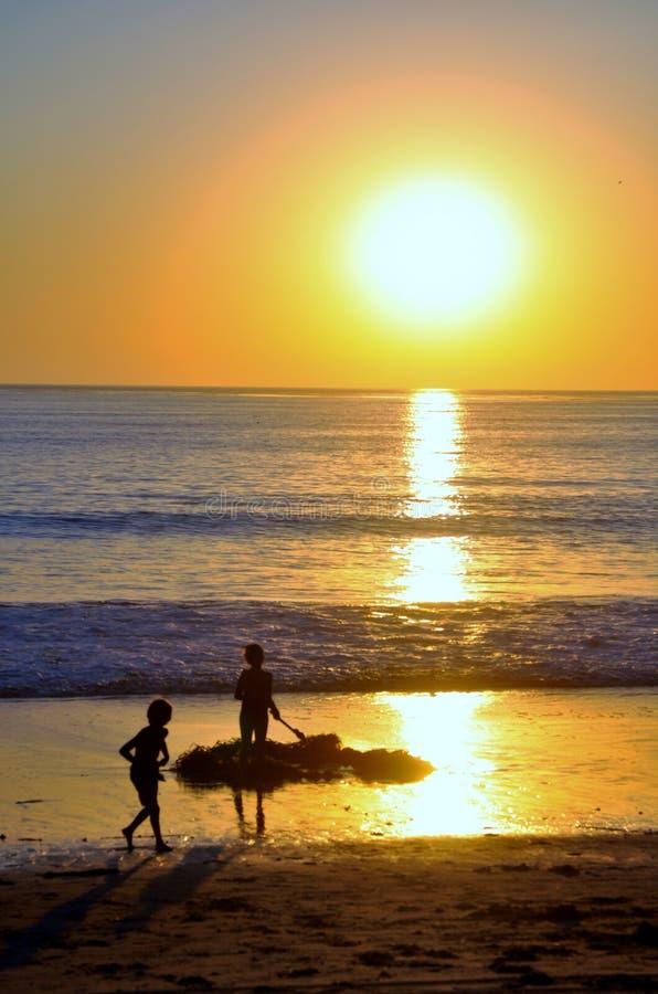 strandbarnspelrum arkivbilder