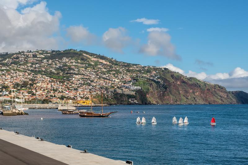 Strandboulevard van Funchal in het eiland van Madera, Portugal stock foto's
