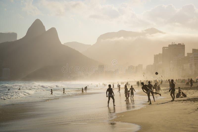 strandbrazil de ipanema janeiro rio fotografering för bildbyråer