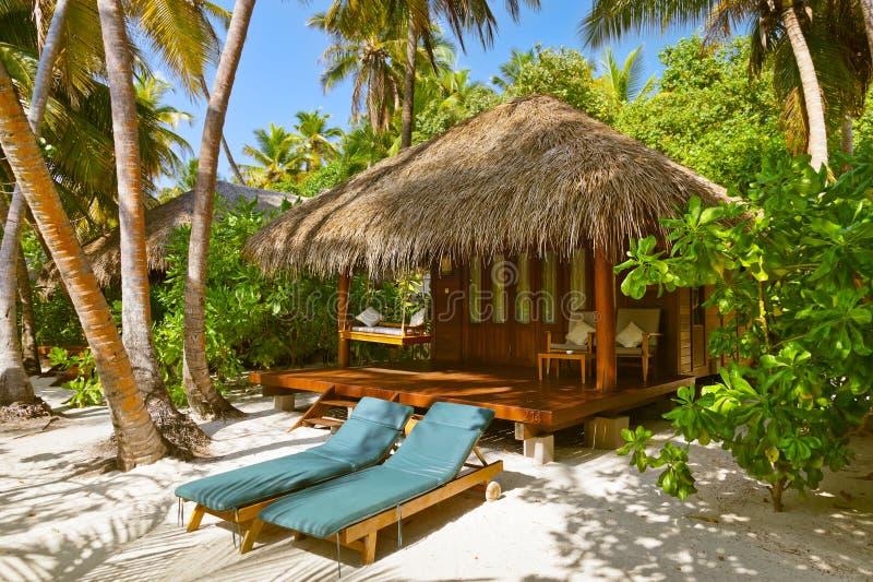 Strandbungalow - Malediven lizenzfreies stockbild