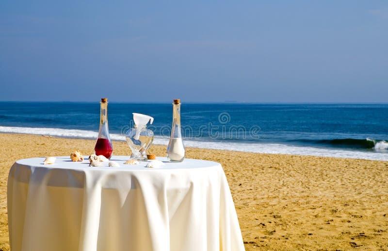 strandceremonibröllop royaltyfri fotografi