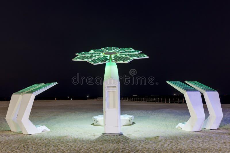 Stranddouche in Doubai stock afbeeldingen