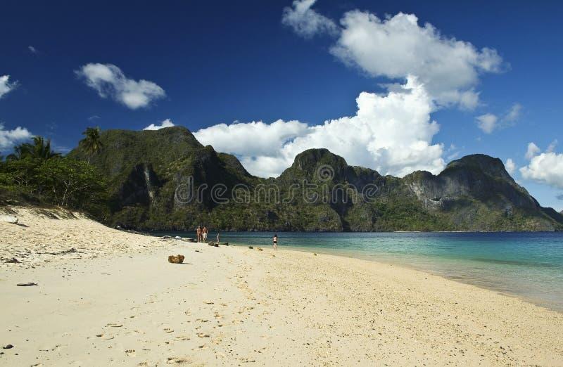 strandel-nido palawan philippines royaltyfri foto