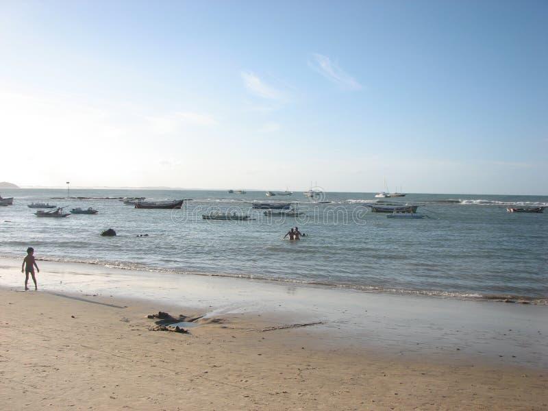 Stranden, duinen en woestijn in Geboorte, RN, Brazilië stock foto