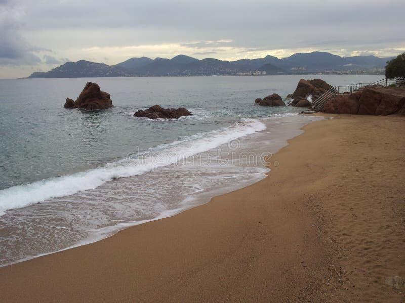 Stranden från den sydliga delen av Frankrike runt om Nice royaltyfri foto