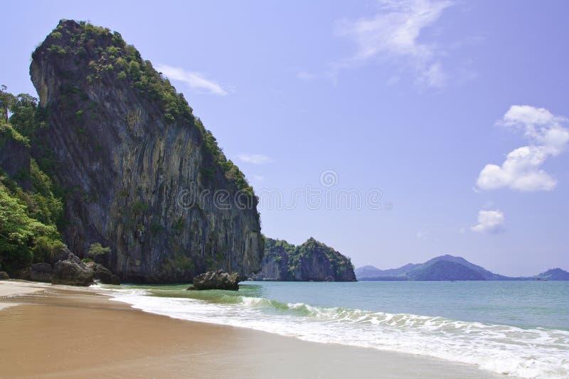 stranden hade landskapthailand trang yao fotografering för bildbyråer