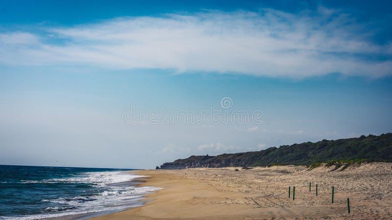 Stranden på Puerto Escondido royaltyfria foton