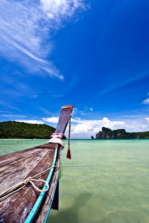 strandfartyg nära royaltyfri foto