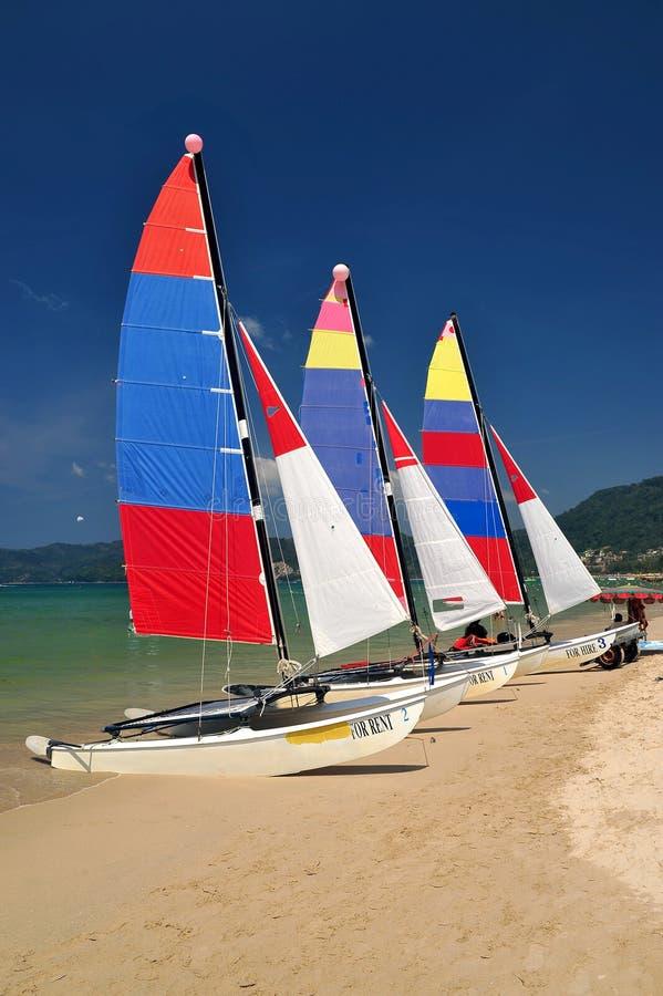 strandfartygpatong phuket seglar thailand arkivbild