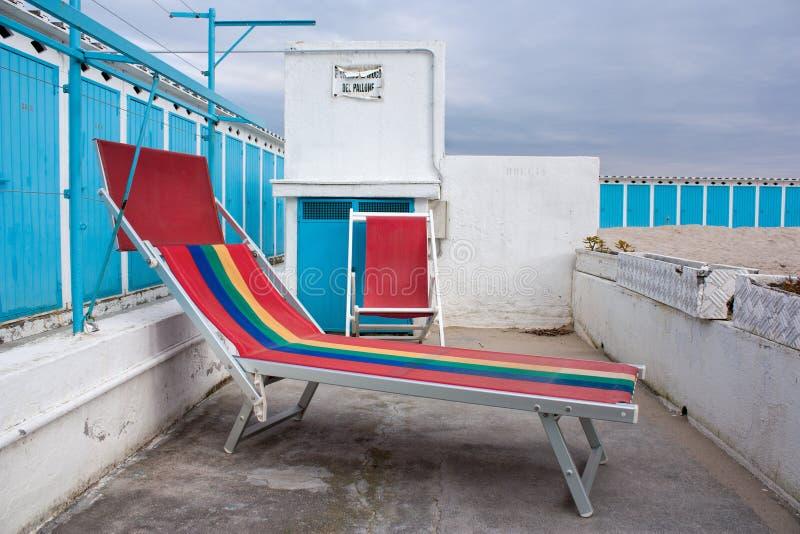 Strandfeldbett im Winter lizenzfreie stockbilder