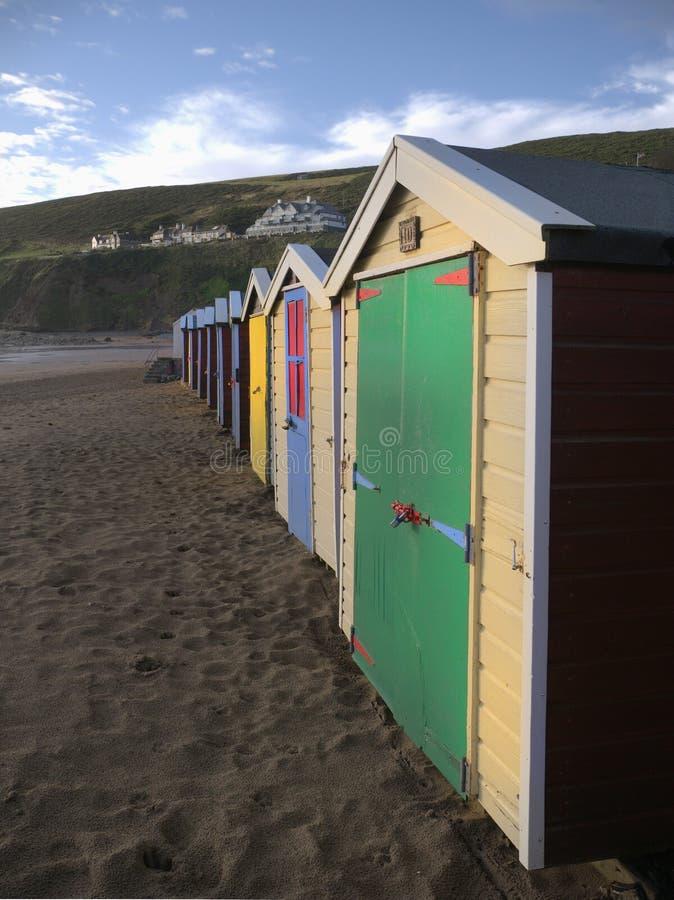 Strandhütten saunton versandet Devon lizenzfreies stockfoto