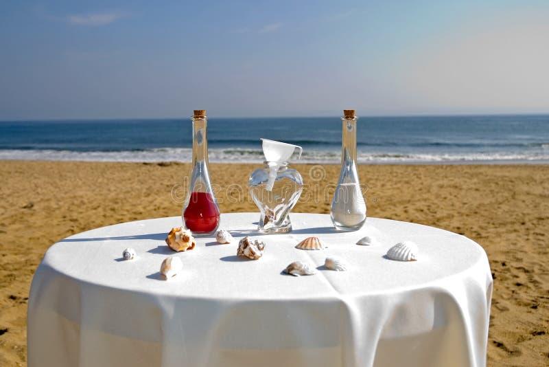 Strandhochzeitszeremonie stockfotos