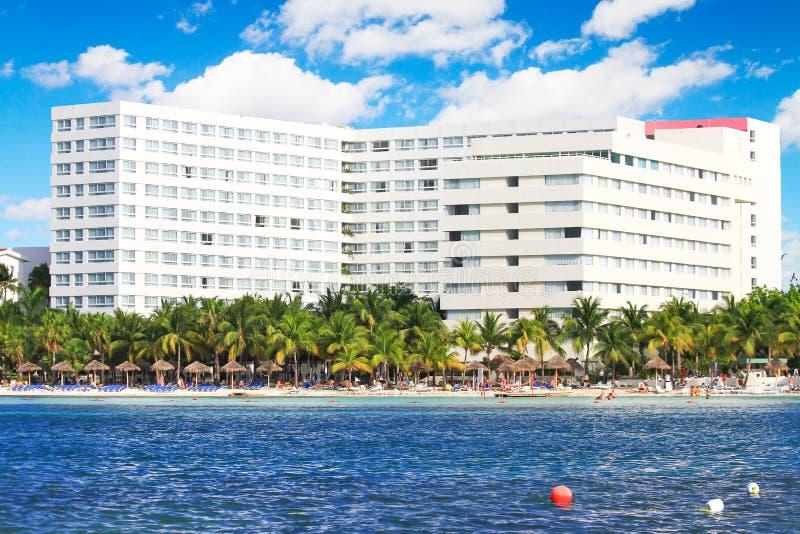 Strandhotel lizenzfreies stockbild