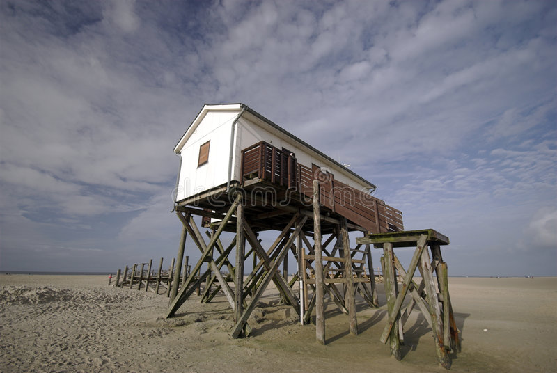 strandhus arkivfoton
