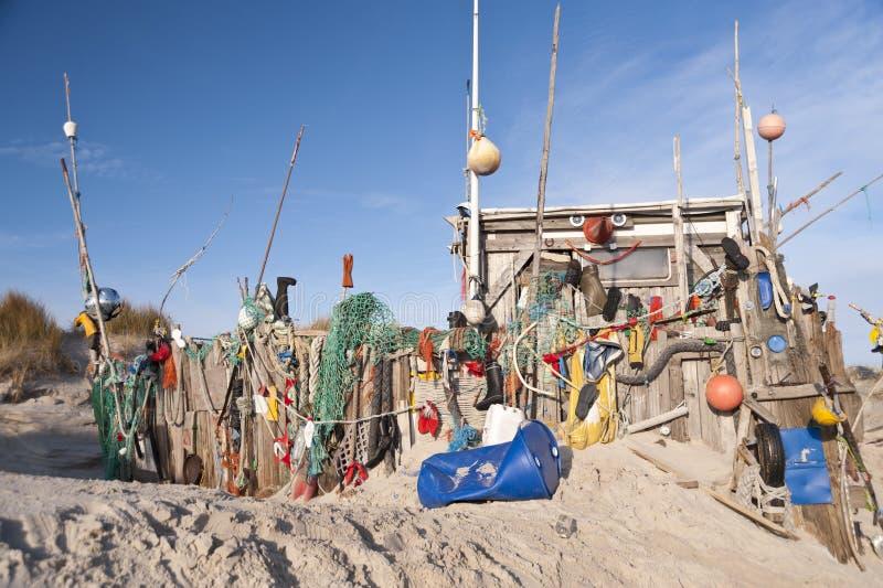 Strandhut van Wrakstukken wordt gemaakt die royalty-vrije stock afbeeldingen