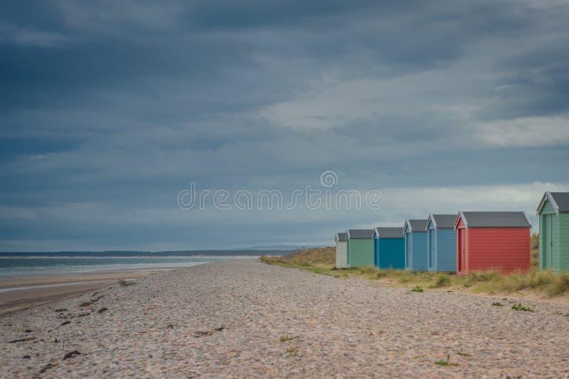 Strandhutten in Findhorn, Schotland, het UK stock fotografie