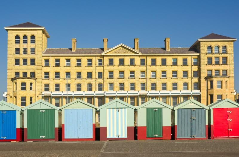 Strandhutten op Brighton Seafront, Engeland royalty-vrije stock foto's