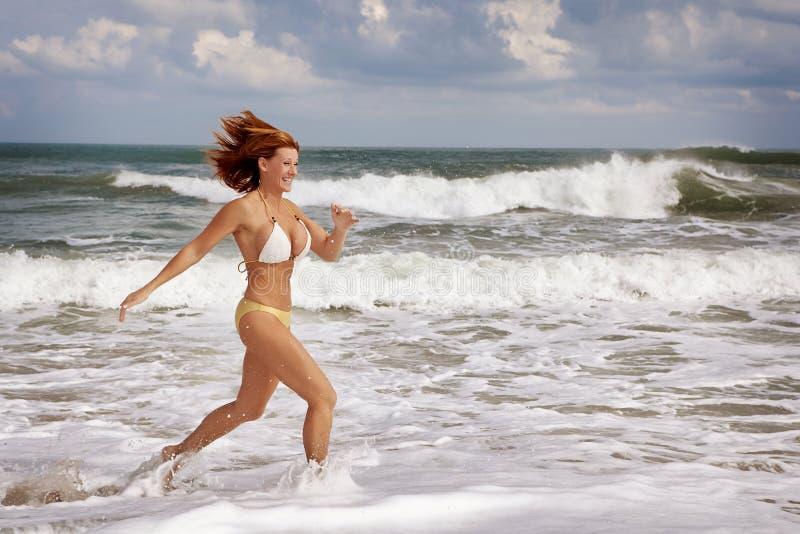 strandkörning fotografering för bildbyråer