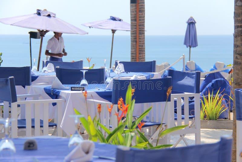 Strandklubban på middagen royaltyfria foton