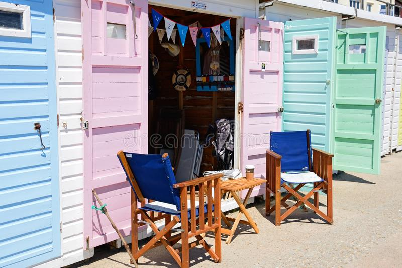 Strandkojor, Lyme Regis arkivfoton