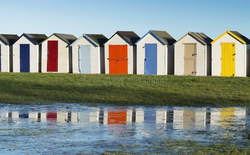 Strandkojor på Goodrington royaltyfri bild