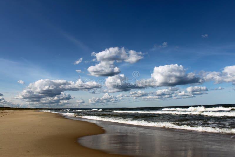Strandlandschaft horizontal lizenzfreies stockfoto