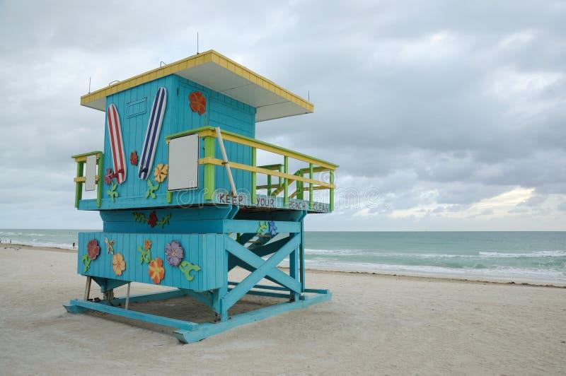 strandlivräddaremiami södra torn arkivbild
