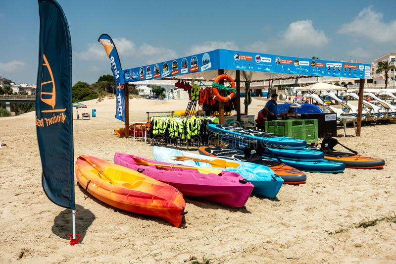 Strandoverzees inflatables stock foto