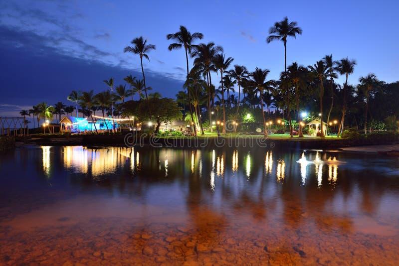 Strandparty Luau in Hawaii nach Sonnenuntergang stockfotografie