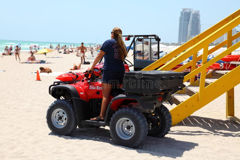 Strandpatrouille in het Strand van Miami stock fotografie