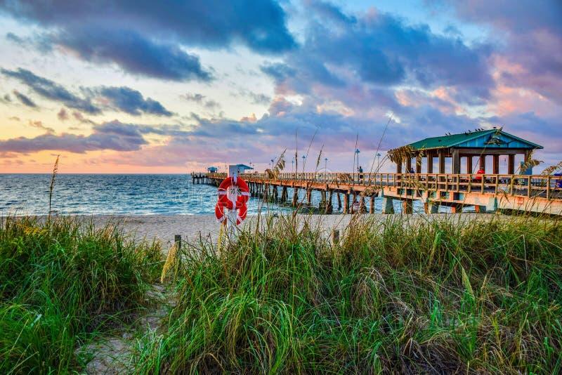 Strandpijler dichtbij Fort Lauderdale Florida FL royalty-vrije stock foto