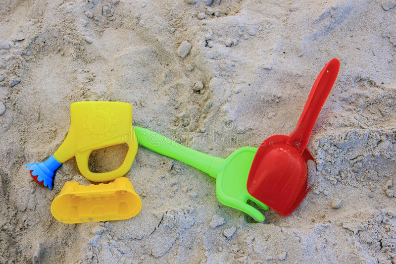 Strandplastikspielwaren stockfotografie