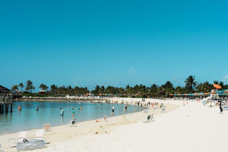 Strandplats i Bahamas som är karibisk fotografering för bildbyråer