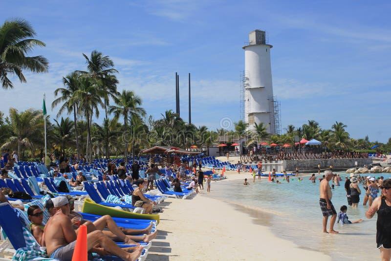 Strandplats, storslagen stigbygelCay, Bahamas royaltyfria bilder