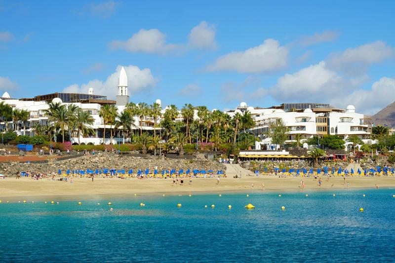 StrandPlaya Blanca på Lanzarote, Spanien royaltyfria bilder