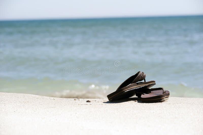 strandsandals arkivbilder